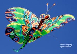 kite by flythebirdpath
