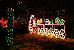 Indianapolis Zoo at Christmastime (photo courtesy Indianpolis Zoo)
